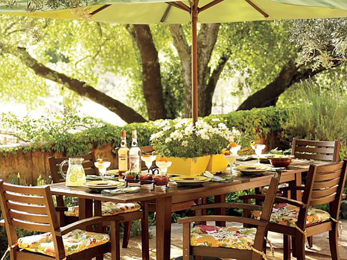 Outdoor Dining Space Design